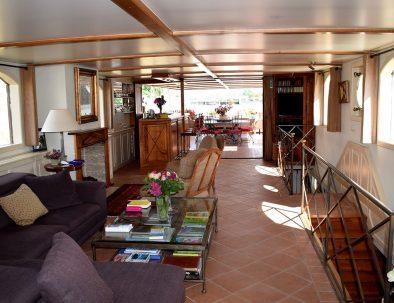 Aurora-Hotel-Schip-Cruise_Bed-and-Breakfast_Interieur_2-394x303